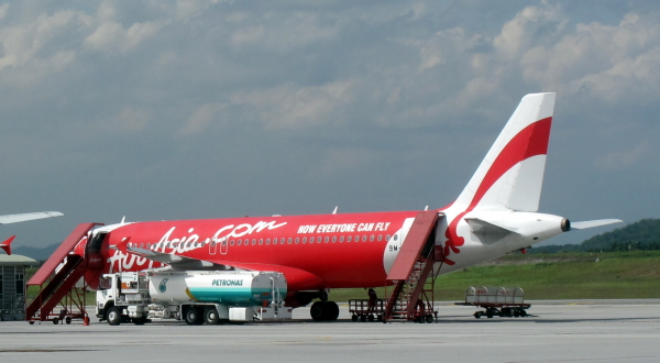 airasia decision making Vison, brand picture and brand strategy of airasia that the remaining 35 per cent of the decision making is influenced by other factors which.
